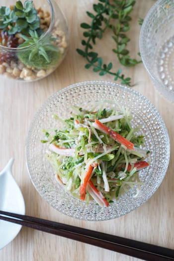 ねぎ塩だれで野菜をあえればナムルのように食べられます。もやしや豆苗などあっさりした野菜にぴったり。