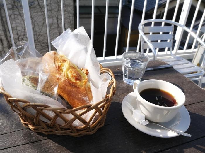 晴れた日に屋上でいただくパンとコーヒー…まさに至福の時間です。奈良の街並みを眺めながらゆっくり過ごしてみませんか?