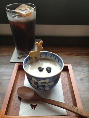 今も江戸時代後期から続く町家が残る「ならまち」。ここ数年は、町家造りの建物をリノベーションしたレトロでおしゃれなカフェが増え、女性を中心に人気のエリアとなっています。雰囲気がステキな「ならまち」のカフェを巡ってみませんか?