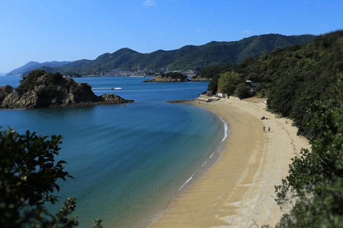 「仙酔島」の景色も素晴らしいです。温泉や国民宿舎もありますし、塩造りや竹細工の体験なども出来るそうですよ。