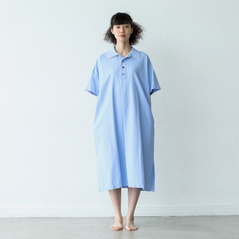 イタリアで1908年創業したLEGGIUNO(レジウノ)の高級綿お使用したゆったりとしたパジャマ。眠るとき以外でも、ちょっとした外出にも着て行きたくなる贅沢な質感とデザインが特徴。