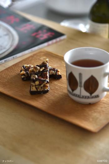 チョコレートバーと言っても甘さ控えめで、厚みもほどよく食べやすいバー。個装なのでみんなでシェアしやすいですね。