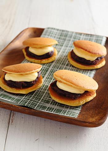 たっぷりのマーガリンと粒あんをはさんだどら焼き。バターが入ることで、濃厚な味わいになります。