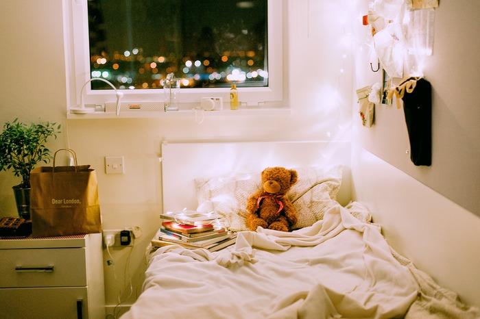音楽に耳を傾けながらコーヒーやお酒を飲んだり、読書をしたり、目を閉じてその曲の世界観にどっぷり浸るのも◎夜の雰囲気にマッチしたしっとりとした楽曲は、疲れた心や身体を癒してくれますよ♪今回は、夜のリラックスタイムにおすすめのチルアウトミュージックを集めました。