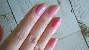 モチーフではなく色使いで紫陽花らしさを演出。ブルー系なら都会っぽく、ピンク系なら、可憐でフェミニンなネイルに仕上がります。エレガントな雰囲気にしたい方は、淡いパープル系がおすすめ♪