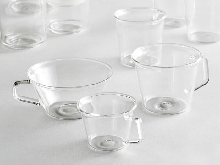 耐熱ガラスを採用し、カップ自体が軽量に作られているのも特徴。すっきりとした涼し気なデザインで、これからの季節に使うのにおすすめなアイテムです。