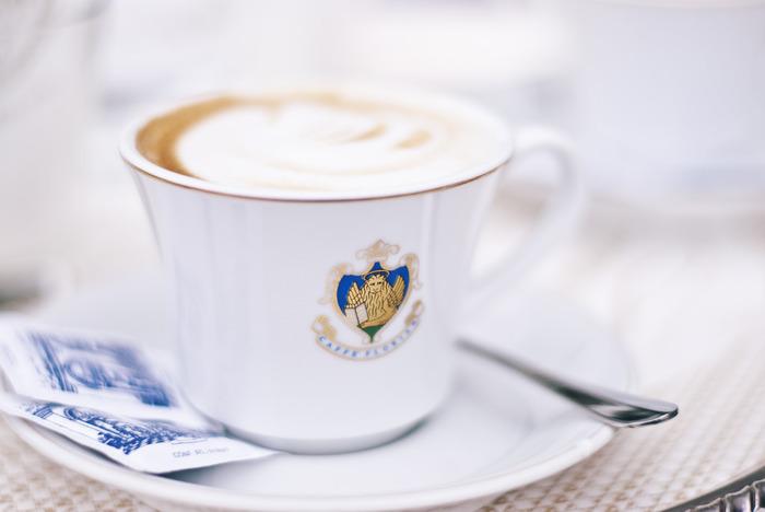 『フローリアン』はカフェラテを最初に提供した、カフェラテの発祥のお店としても知られています。ぜひ、長く愛され続けている、イタリアの濃厚なカフェラテを堪能してみてくださいね。