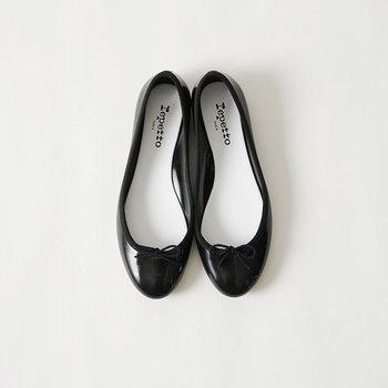 可愛らしい足元にぴったりのバレエシューズ。一足あるだけで、ぐっと女の子らしく仕上がります。