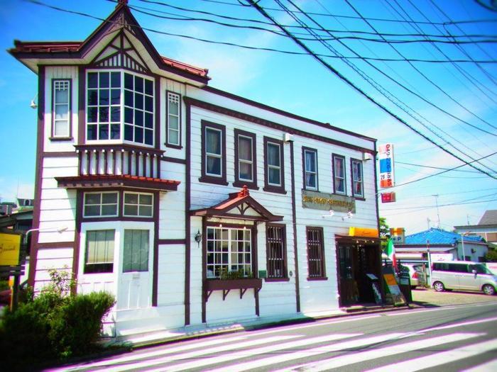 川越駅から歩いてすぐの「リストランテ ベニーノ」。このレストランは国登録有形文化財に指定されている、とてもレトロで雰囲気のある建物です。