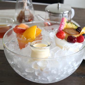 耐冷温度もマイナス35℃なので、氷を入れてデザートやドリンクなどを冷やすのにも適しています。暑い夏の食卓に冷たいデザートがあるだけで、幸せな気持ちになりそう。