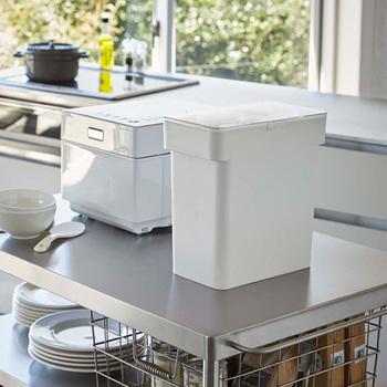 こだわりのキッチンにも置きやすいスタイリッシュなデザイン。パッキンでしっかり密閉でき、デザイン性だけでなく機能性も抜群です。