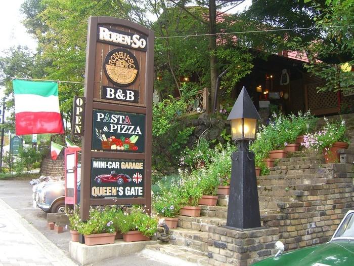 1982年のオープン当初はコーヒーハウス。その後、オーナーは、イタリア帰りのシェフに師事。イタリアンの店としてリスタートしました。