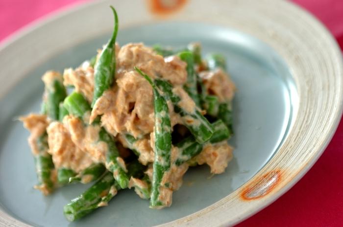 副菜として大活躍してくれるサヤインゲンのツナサラダは大人も子どもも大好きな味付けです。ほんのり鰹節の風味も感じられお箸が進む簡単レシピです。