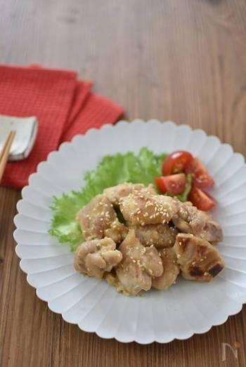 ・発酵食品を使ったおすすめメニュー 鶏肉を発酵食品である塩麴に漬け込み、柔らかく美味しく仕上げたレシピ。練りゴマの風味も豊かでご飯がすすむ一品です。