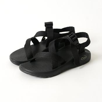 チャコのサンダルは、独自開発したトラクション性とグリップ性が高い、しっかりと厚みのあるアウトソールで、安定感のある履き心地に仕上がっています。