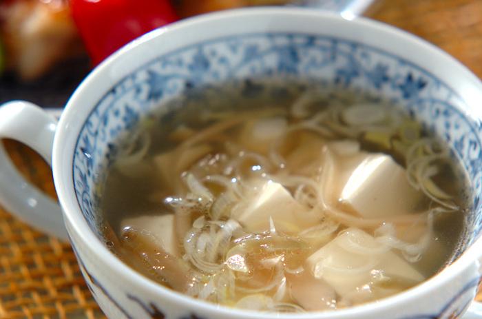 こちらも中華風ですが、ザーサイを入れることで、その出汁や風味が良く出ていているのが特徴的なスープ。豆腐のつるっとした食感とザーサイのシャキシャキ感。食感の違いも楽しい一品です。