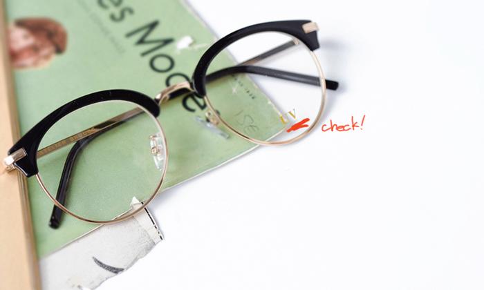 黒いサングラスに抵抗がある方や普段使いにおすすめのクリアレンズタイプも豊富で、伊達眼鏡としても使えるお洒落なデザインが人気です。