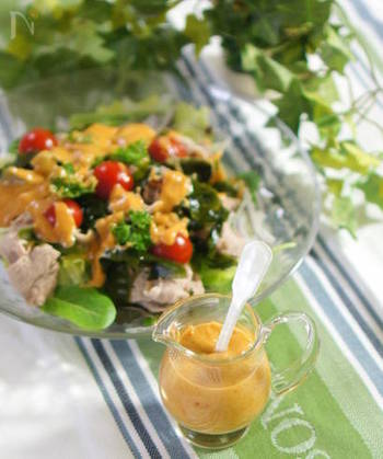 いつものお肉や野菜も作りおきダレがあれば、お料理の時短にも役立ちます。さまざまな料理にアレンジできる基本の「万能ダレ」の作り方、そのアレンジレシピをご紹介します。