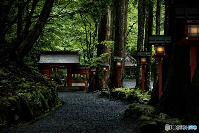 せっかくですから『奥宮』まで歩いてみましょう。実は、『貴船神社』と名のつく神社は、全国に数多くあるといいます。その総本社が、ここ京都貴船でなんです。
