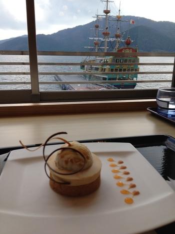 ソフトドリンクやケーキセットといったスウィーツメニューも充実しているので、ゆったりとカフェタイムも楽しめます。一人旅の方やカップルの方にお勧めのお店です。