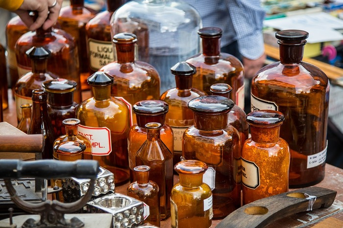 瓶に貼るラベルも、ヴィンテージ感あふれるラベルだと、雰囲気が増して、並べてるだけでも素敵なお部屋になります。