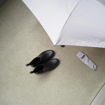 じめじめとした梅雨の時期は、身につける物だけでなく住まいでも湿気対策が必要です。