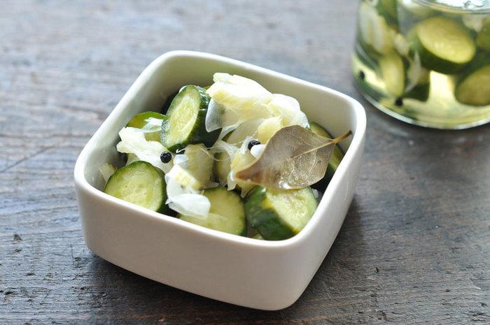 ピクルスは常備菜の定番ですが、疲労回復が期待できるクエン酸を摂取できるので夏は特におすすめです。塩分も摂れますので汗をかいた時はお茶請けにも◎