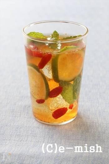 ノンアルコールのモヒートアレンジ。漢方食材であるクコの実を加えている、健康と美容のためのレシピです。