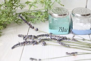 手持ちのアロマオイルを混ぜれば、芳香剤としても使えて便利なので、覚えておくと役立ってくれそう。