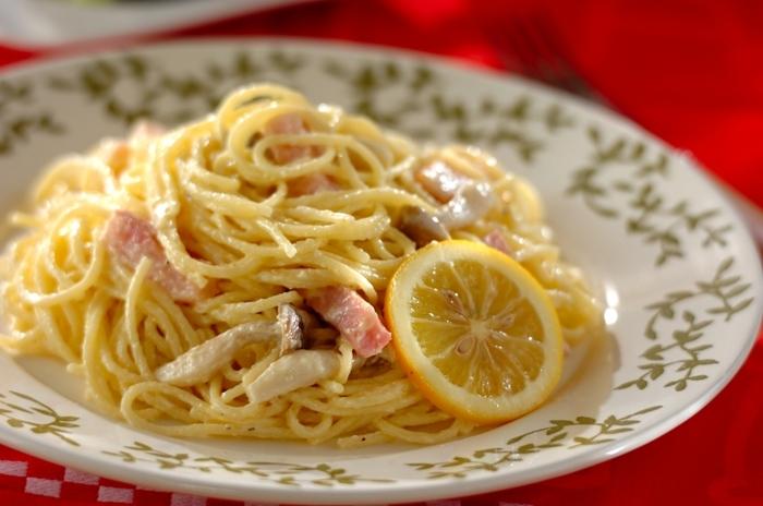 レモンパスタの基本は、クリーム系。クリームのコクとレモンの爽やかさのハーモニーが楽しめます。クリーム系といっても、意外とさっぱりしてるんですよ。