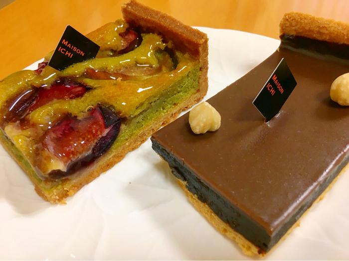 スイーツもおすすめで、人気の「チョコタルト」は濃厚なチョコを味わえます。「イチジクとピスタチオのタルト」は、サックサクのタルト生地に、ピスタチオの甘みとイチジクとのコラボがたまらない一品です。