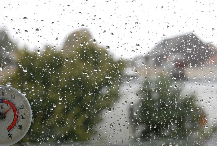 梅雨時の暮らしは、風通しをよくして湿気を溜めない事が大きなポイントになります。今回の記事をヒントに、住まいの湿気対策を実践してみてくださいね。