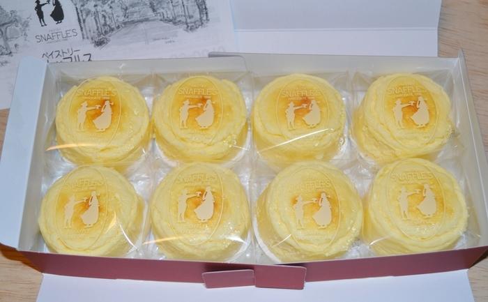 北海道産の原材料を使った、無添加のスフレタイプのチーズケーキ。まるで半熟オムレツのようなとろ~りとした食感から、チーズオムレットという名前がついたそう。