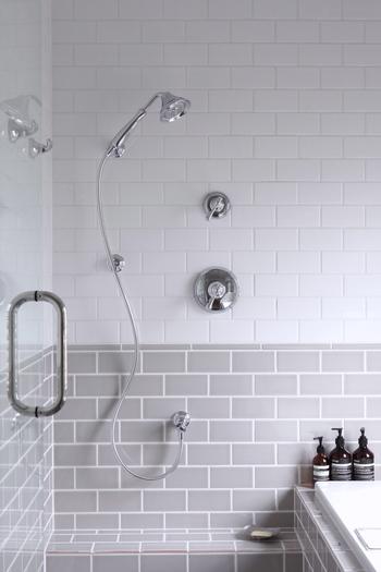 水を扱うバスルームは、年中カビやピンクぬめりが出やすい場所。使用後は換気して、カビが発生しない状態を保つことが大切です。