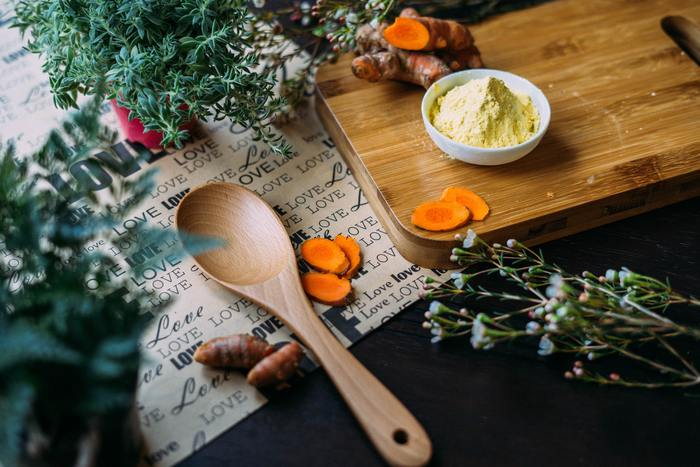 「DELISH KITCHEN」は、毎日のキッチンに立つ時間を楽しくしてくれるアプリです。1分ほどにまとめられた調理動画も見ることができるので、お料理が苦手な人でも調理手順を確認しながら作ることができます。