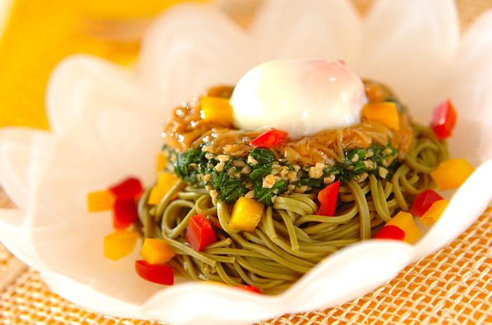 緑濃く、栄養たっぷり。しかもネバネバが体にいい野菜「オクラ・モロヘイヤ」は、これから夏にかけてが旬です。その野菜が一番元気な旬の時期は、いろいろな食べ方で食生活に取り入れて、その元気をもらいましょう。