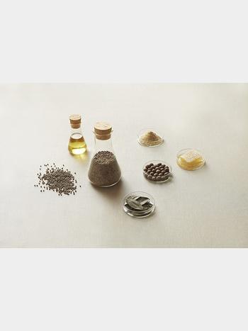 古くからスキンケアやヘアケアに使われ続けてきた、天然の保湿成分である麻之実油が配合されているので、しっとりとした洗い上がりです。