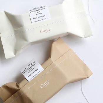 ポートランドのライフスタイルブランド「Ouur(アウアー)」から生まれたちょっとラグジュアリーなせっけん「cousu de fil blanc(クゥズ ド フィル ブラン)」。フランス語で「ホワイトステッチ」という意味を持っています。