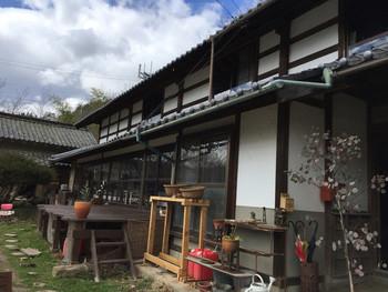 築130年の古民家を改装したカフェは、まるで祖父母の家を訪れるような雰囲気。昔の生活の様子が垣間見える気がします。