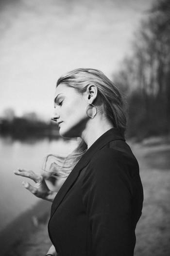 特に今後も付き合いを続けていきたい場合は心苦しいものです。それでも断る時には曖昧ではなくしっかりと理由を伝え、お断りします。もちろん「ご期待に添えず申し訳ありません」など、謝罪の言葉が必要です。