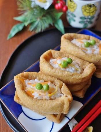 お正月のお弁当におすすめなのが、おせちのリメイク。丁寧に作られたおせちは、様々な料理にリメイクできます。なますは、しっかり水切りしてからつめて。