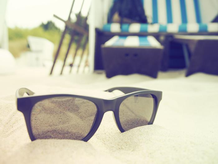 夏は、海や山、バーベキューにキャンプなど野外でのレジャーが盛りだくさんの季節。でもお肌にとっては、強い紫外線や冷房環境の温度差など、ダメージを受けやすい季節でもあります。そんな夏のお肌のトラブルを回避するには、正しいスキンケアを知ることが大切です。
