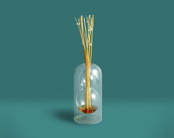 「ヴッド」フレグランスディフューザー 瓢箪デザインが特徴的な、タイ発のフレグランス。香料には植物やハーブなど、天然由来のエッセンシャルオイルを使用。