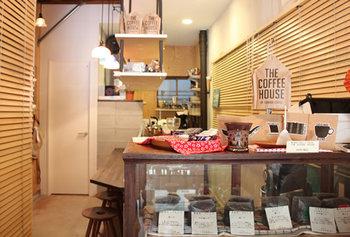 こだわりの焙煎や豆選びで美味しいと噂のコーヒーショップってありますよね。なかなか足を運ぶ機会がないなら、お家でゆったりお取り寄せで楽しむのはいかが?気に入ったら実店舗へお出かけしてみるのもいいですね。