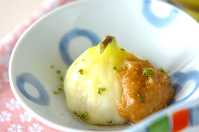 いちじくと甘味が強めの西京みそとのコラボで和風の小鉢料理も作れます。意外にも、いちじくとみその相性がよいことに驚かれる人もきっと多いことでしょう。