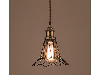 むき出しの電球をアルミの線で飾ったシンプルかつレトロチックなランプ。花のようにも見えるシェード部分がさりげなくおしゃれです。  小さな電球を隠しすぎることなく、明るさを最大限お部屋に届けてくれます。