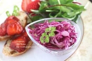 酸味の効いたさっぱり料理が食べたくなる夏。すっぱすぎずに食べやすい、酸味が美味しいレシピをチェックしましょう。