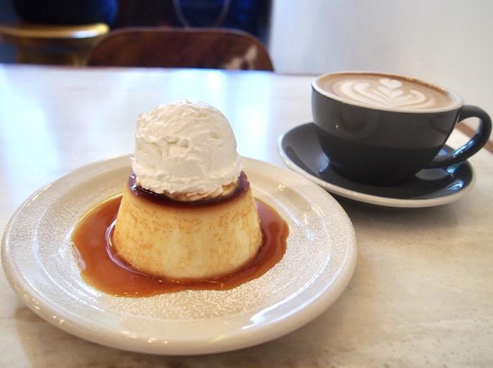 「グッドタウンベイクハウス 」に来たら、ぜひ味わって欲しいのがプリン。固めの食感で、プリン党の間でも美味しいと噂の一品です。たっぷりのったクリームもたまりません!