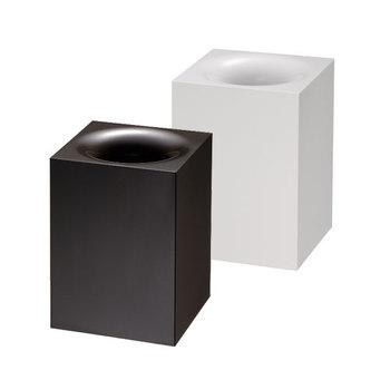 間口が内側に曲がったようなデザインで、ゴミが見えないのがポイント。 また、蓋と本体が分かれるので、中身をスムーズに捨てる事ができます。