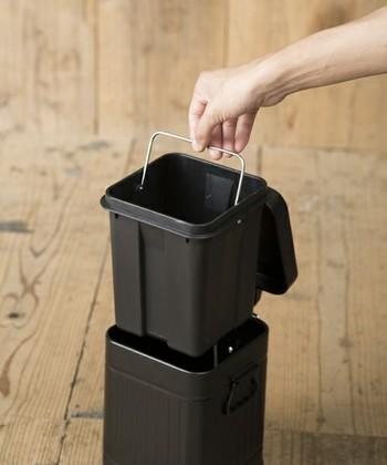 中のバケツを取り外せば、手を汚さず簡単にゴミを捨てられるのも嬉しいポイント。見た目の可愛さと機能性が両立した、オシャレなゴミ箱です。